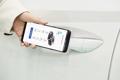 Llave digital en un teléfono inteligente de Hyundai y Kia