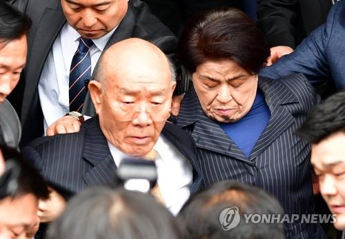 전두환, '5·18 헬기사격' 진실 확인 안 됐다는데….