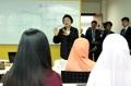 La primera dama se reúne con estudiantes del idioma coreano en Brunéi