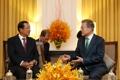Moon y el PM camboyano