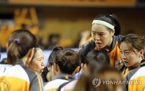 여자농구 챔프전 '체력 변수'…13년 연속 통합우승 나올까