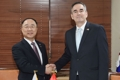 Finance chief meets Canadian envoy