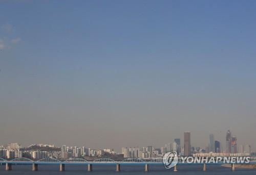 [내일날씨] 맑고 쌀쌀한 토요일…평년보다 기온 3∼10도 낮아