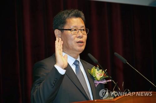 """김연철 """"남북정상, 신뢰 계속 확인…정상회담 충분히 반응 올것"""""""