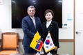 Ministros de Transporte de Corea del Sur y Ecuador