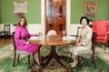 Premières dames dans le Salon vert