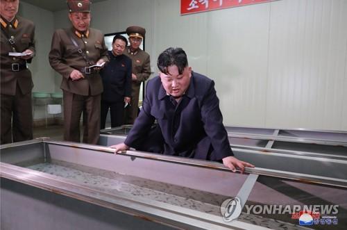 北 김정은, 2기 지도부 재편 후 '민생·軍 동시 챙기기 행보'
