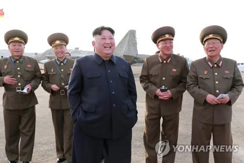 김정은, 신형 전술유도무기시험 지도…연이틀 '국방 행보'(종합2보)