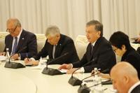 발언하는 우즈베키스탄 대통령