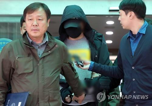 위층 할머니 흉기 살해 10대 구속…경찰, 정신 감정 예정(종합)