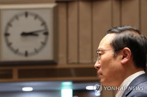 """홍영표 """"한국당 불법·폭력 써도 법안 영원히 저지 못한다"""""""
