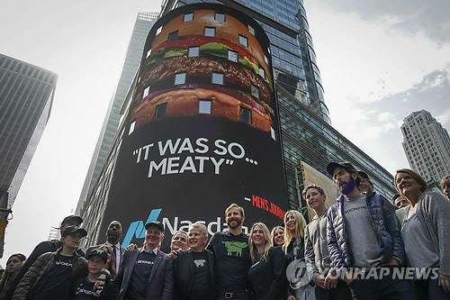 中 돼지고깃값 급등에 식물성 육류 급부상…업계 경쟁 '가열'