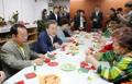 Reunión con el presidente surcoreano antes del Día de los Padres