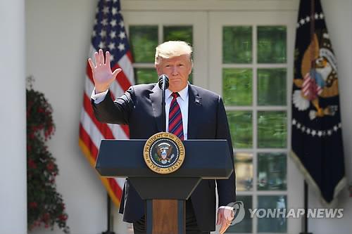 WP '트럼프 새 정책으론 장인·장모 이민도 불가'