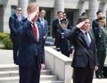 敬礼する韓米の国防相