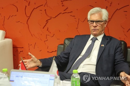 (Yonhap Interview) Ottawa-Seoul FTA delivers benefits of barrier-free trade: Canadian trade minister