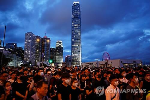 '송환법' 반대 시위 속 홍콩거래소 상장 연기 잇따라