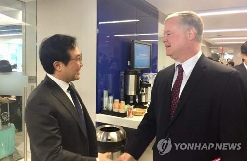 한미 북핵수석 한자리서 대북메시지…비건 '유연한 접근' 주목