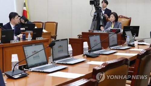 정개특위, 한국당 반발 속 '활동기간 연장' 추진