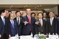 Trump con los líderes empresariales surcoreanos