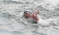 Nadadora surcoreana en el evento femenino de 10 kilómetros de natación en aguas abiertas