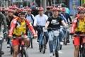 El alcalde de Seúl en una 'ciclovía' de Bogotá