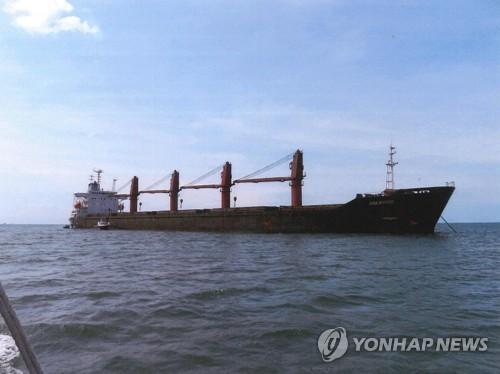 웜비어 이어 김동식 목사 유족도 美억류 北선박 소유권 주장