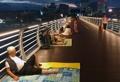 Los residentes de Gangneung tratan de refrescarse
