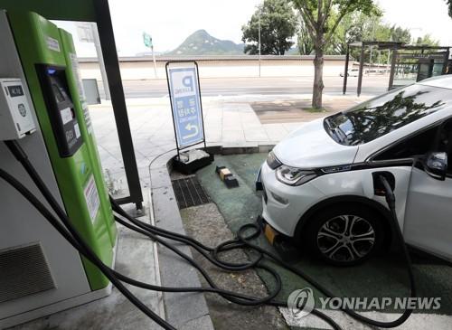 글로벌 전기차 배터리 사용량 2년7개월 만에 첫 감소