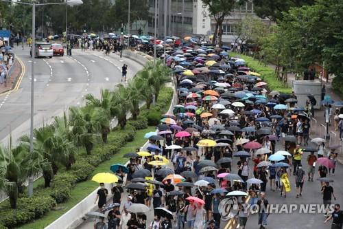 '中 무력개입' 우려 속 홍콩 대규모 집회…평화시위 여부 주목