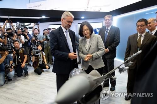 """中, F-16 대만 판매 승인한 美에 연일 포문…""""지지 중단해야"""""""