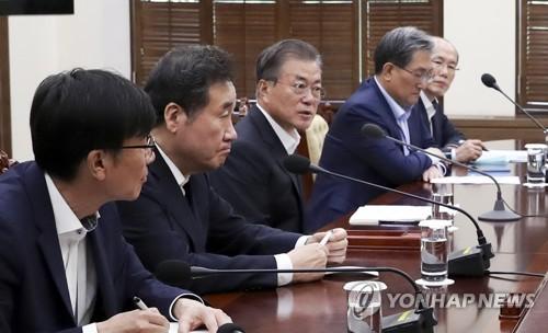 [지소미아 종료] 靑 '외교해법 외면한 日 안보신뢰 깼다' 판단