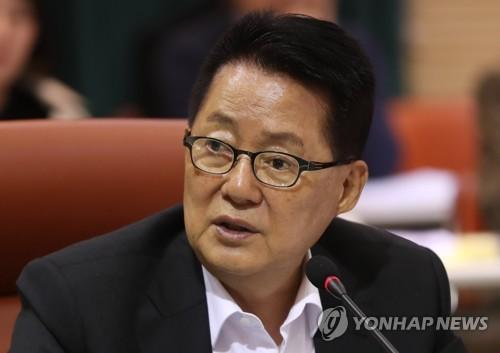 """박지원 """"윤석열 퇴진할 이유없어…조국 후임은 전해철 적임"""""""