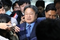 Moon's secretary meets ruling party leader