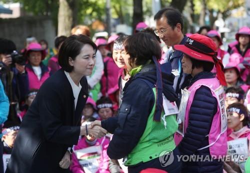 """""""2차 급식대란은 막자""""…학교비정규직 양보로 교섭 타결(종합2보)"""