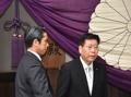 아베, A급 전범 합사 야스쿠니신사에 공물…측근 각료는 참배