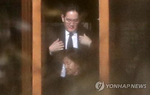 """호암추도식 3년만에 찾은 이재용 """"기업으로 사회·나라에 보탬되자""""(종합)"""