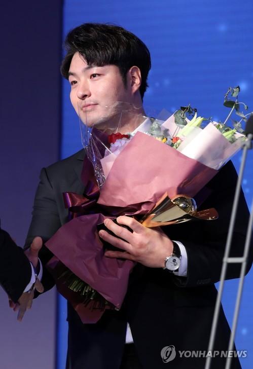 """'롤러코스터' 탔던 홈런왕 박병호의 고백 """"시행착오 겪은 시즌"""""""