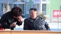 온실농장 조업식서 이야기 나누는 북한 김정은과 박태덕