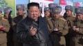 온실농장 조업식서 지시하는 북한 김정은
