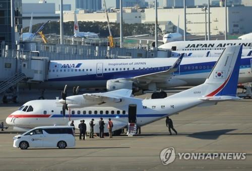 일본 크루즈선 탑승자 19일부터 하선…한국행 택하면 어쩌나