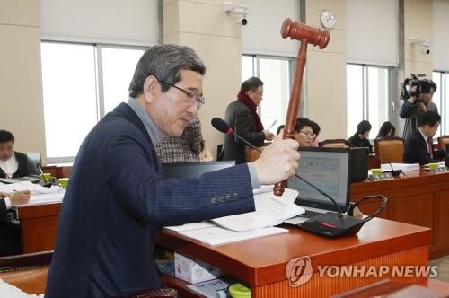 1년 미만 근로자 '연차사용촉진' 근로기준법 환노위 통과(종합)