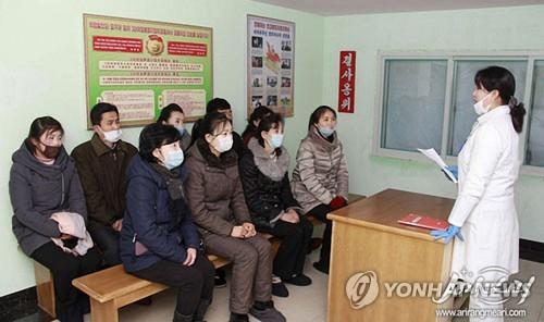 """북한, 남한 코로나19 확산세에 촉각…""""야외 마스크 미착용은 죄""""(종합)"""