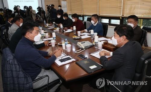 KBO, 4월 말·5월 초로 개막 연기…경기 축소도 검토(종합)