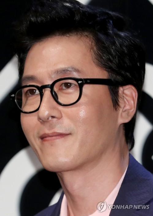 This undated file photo shows the late South Korean actor Kim Joo-hyuk, who died in a car crash on a Seoul road on Oct. 30, 2017. He was 45. (Yonhap)
